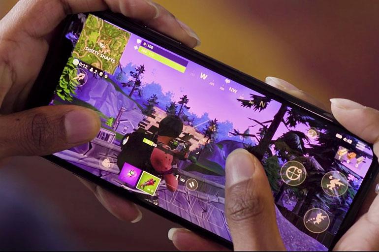 Фортнайт на мобильном устройстве